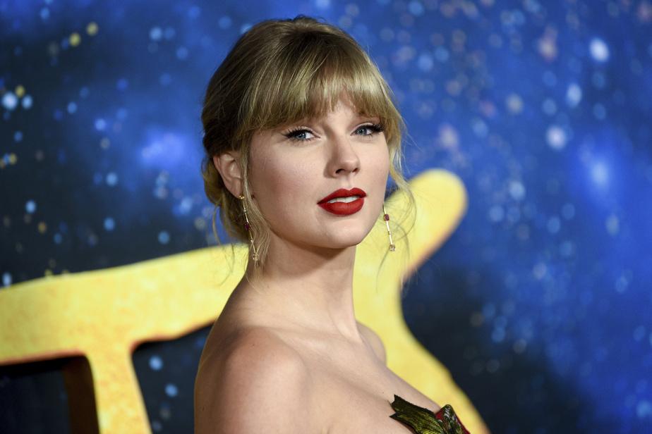 Taylor Swift Makes History as 'Evermore' Debuts at No