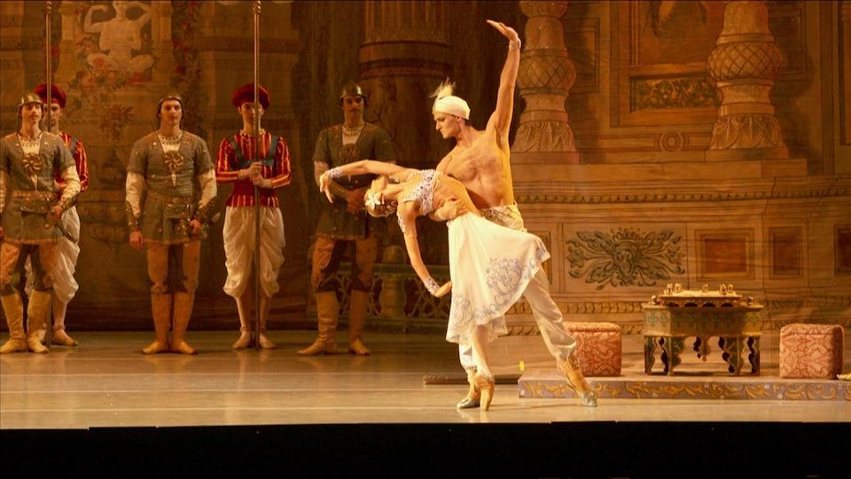 Classical ballet dancers.