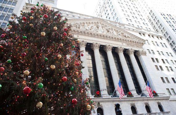 US Stocks drops on fears over new coronavirus strain