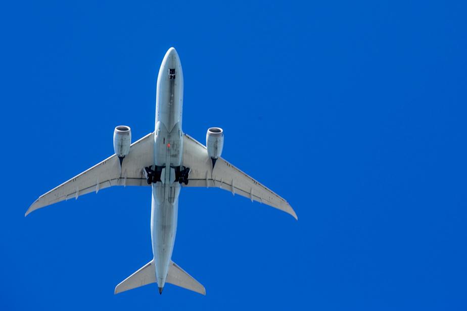 Netherlands bans flights from United Kingdom due to fast-spreading coronavirus