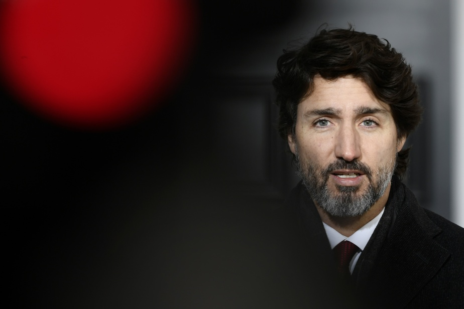 Returning non-essential travellers not eligible for Canada Sickness Recovery Benefit: Trudeau