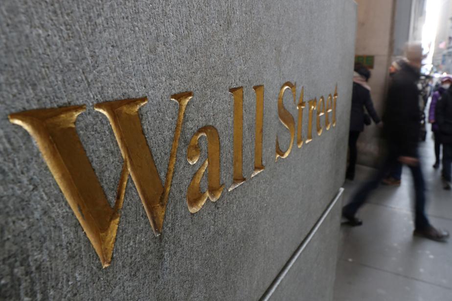 International Monetary Fund  warns of possible market correction