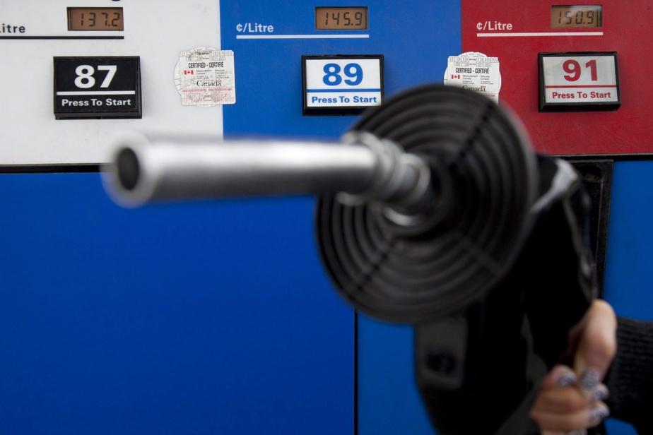U.S. oil giants ExxonMobil, Chevron consider merger