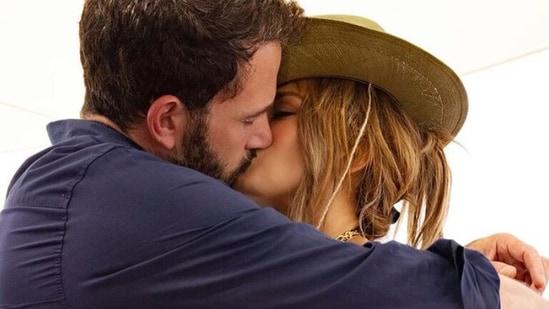 Jennifer Lopez and Ben Affleck Confirm They're Back Together